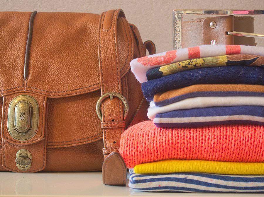 Sac Lancel + Piles de vêtements Bretagne
