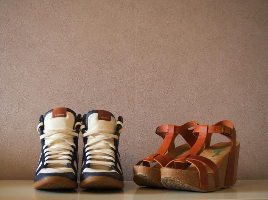 Sneakers Bleu Le Coq Sportif et Sandales cognac Bionatura
