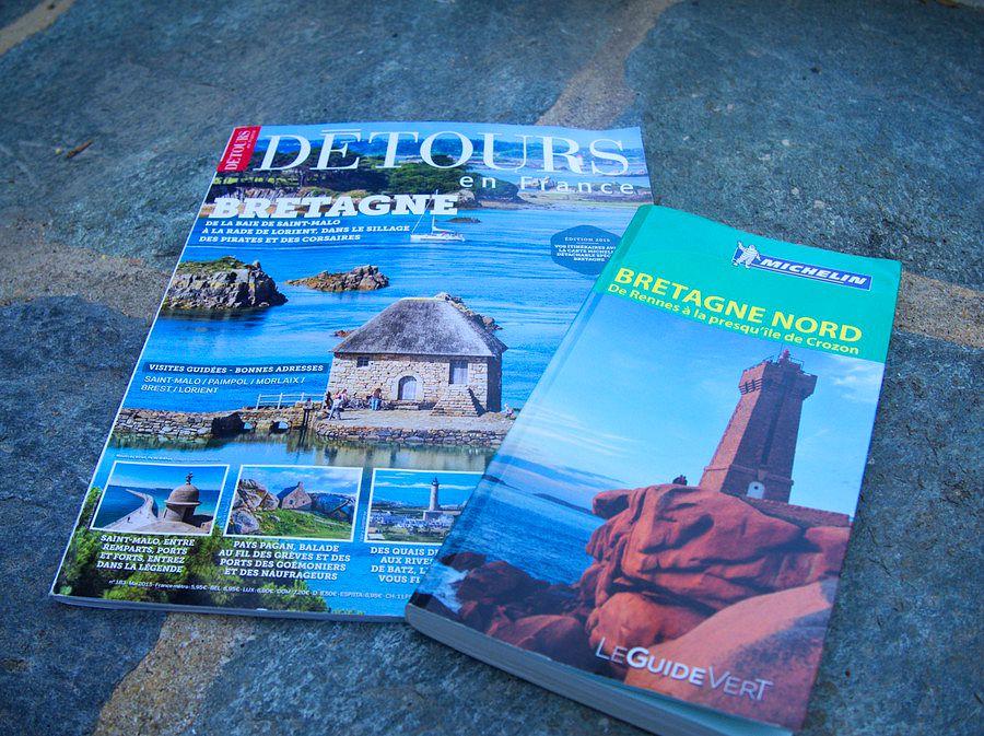 Magazines et guides touristiques