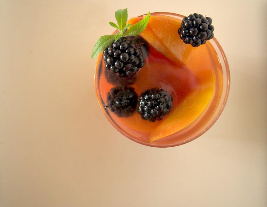 Soupe de nectarines à la verveine vegan