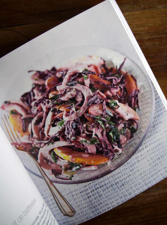 Salade chou rouge, pomme, fenouil, mayonnaise végane - 200 recettes detox - Ma petite cuisine - Marabout